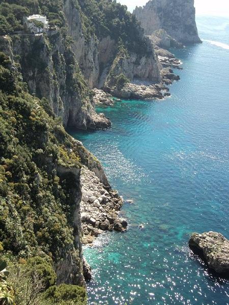 Capris dramatiska klippor